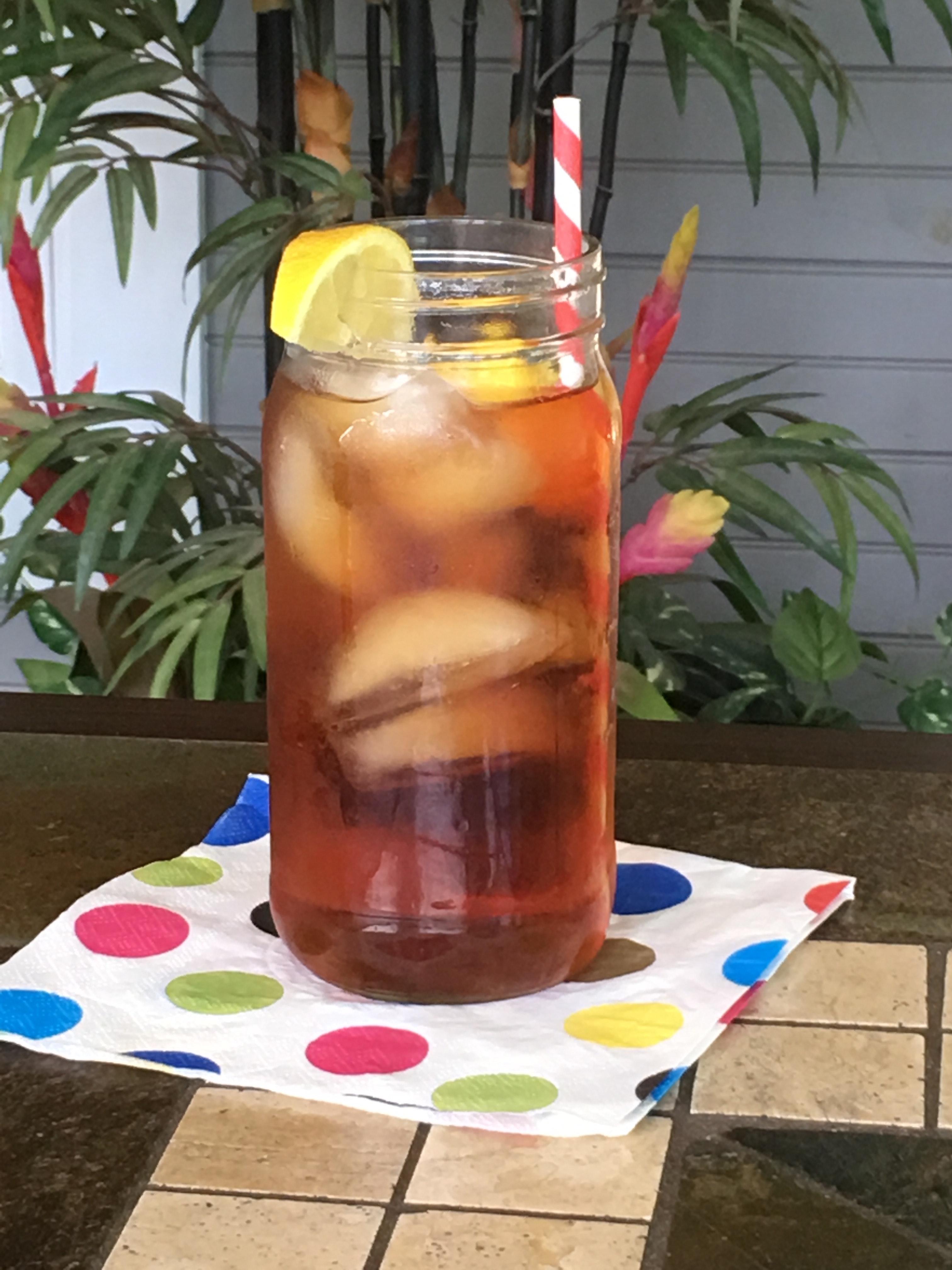 iced-tea-lemon-paper-straw-978364